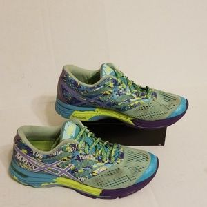 Asics Gel-Noosa women's shoes size 7